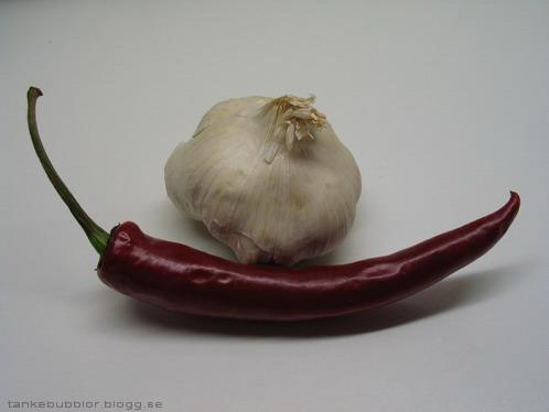 vitlök och röd spansk peppar